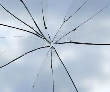 Risultati immagini per vetri rotti tumblr